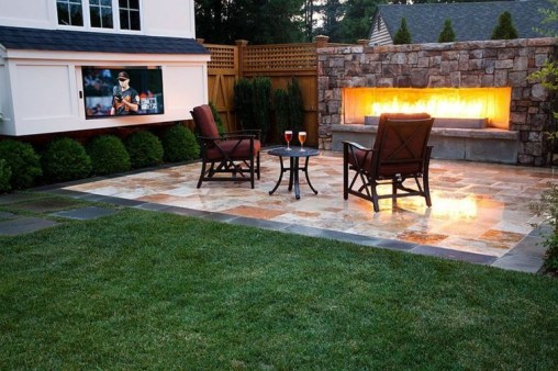 Chic Outdoor Home Theaters Design Ideas To Have Asap37