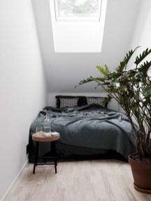 Unusual Small Bedroom Design Ideas For A Narrow Space15