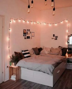 Unusual Small Bedroom Design Ideas For A Narrow Space33