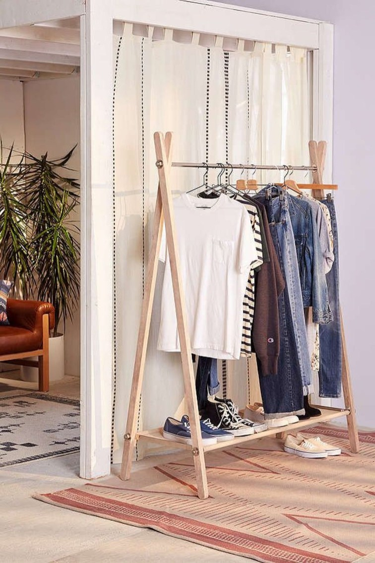 Awesome Diy Small Bedroom Design Ideas With Close Clothing Rack 01