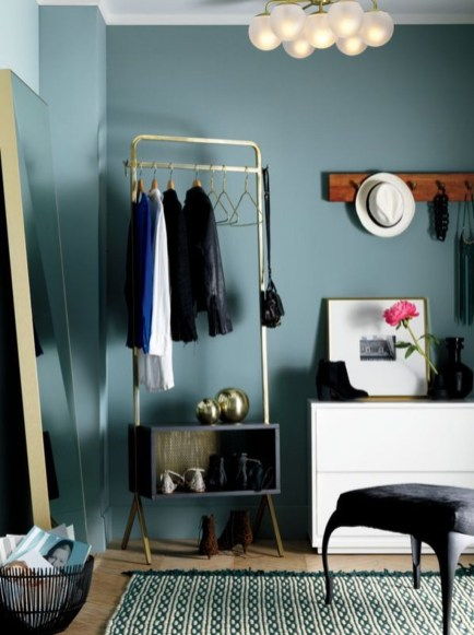 Awesome Diy Small Bedroom Design Ideas With Close Clothing Rack 34