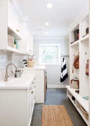 Awesome Farmhouse Mudroom Decorating Ideas To Try Asap 07