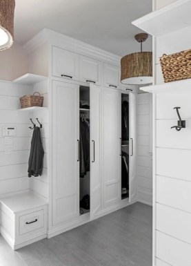 Awesome Farmhouse Mudroom Decorating Ideas To Try Asap 16