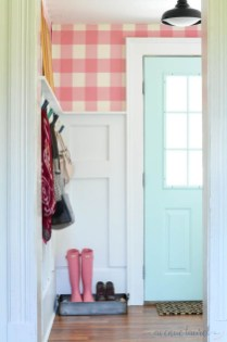 Awesome Farmhouse Mudroom Decorating Ideas To Try Asap 19