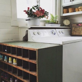 Awesome Farmhouse Mudroom Decorating Ideas To Try Asap 34