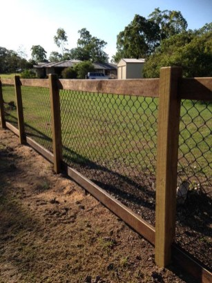 Enchanting Living Fences Design Ideas That Suitable For Your Yard 15