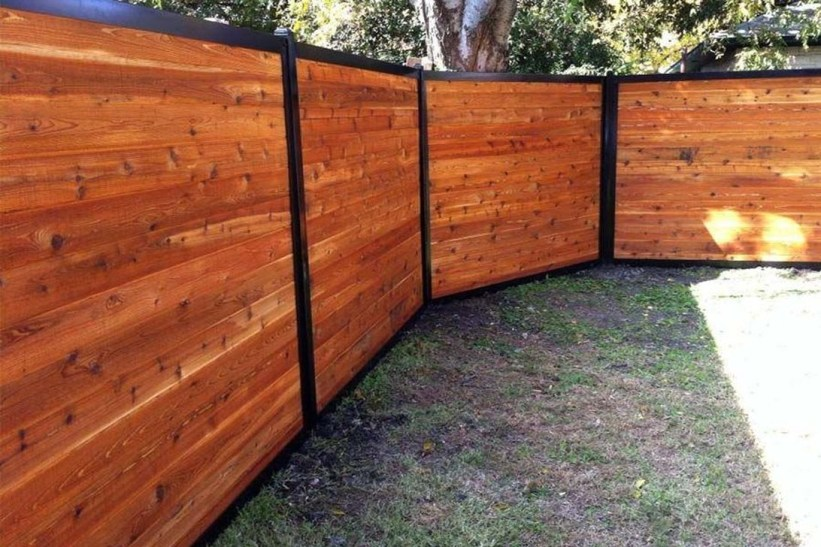 Enchanting Living Fences Design Ideas That Suitable For Your Yard 27