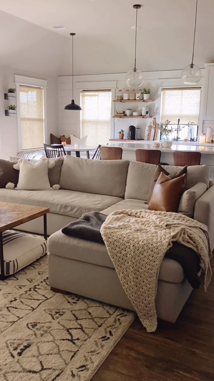 Sophisticated Living Room Furniture Design Ideas To Try Right Now 22