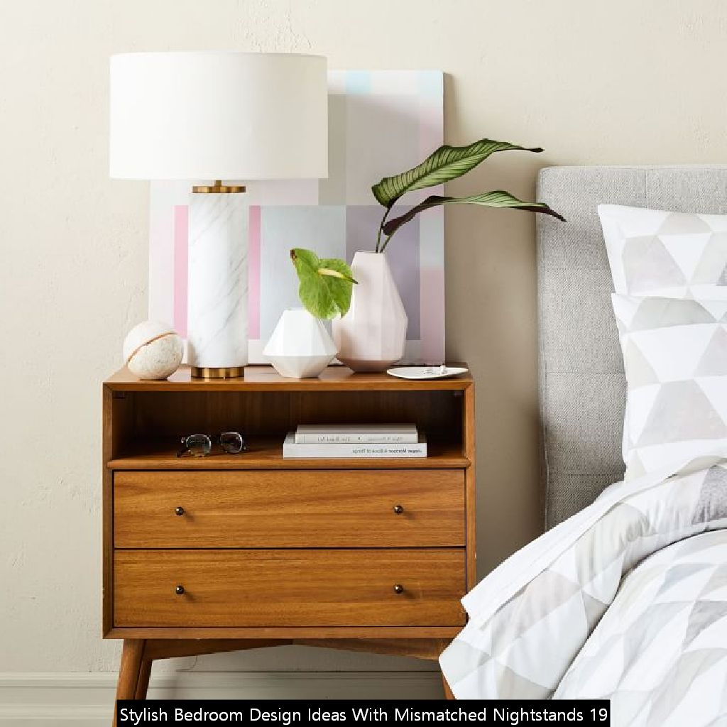 Stylish Bedroom Design Ideas With Mismatched Nightstands 19