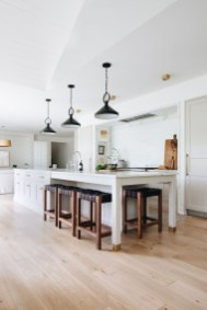 Top White Kitchen Cabinetry Design Ideas That Looks More Modern 40
