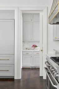 Top White Kitchen Cabinetry Design Ideas That Looks More Modern 42