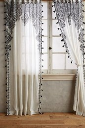 Wonderful Farmhouse Curtains Decor Ideas For Living Room To Try Asap 30
