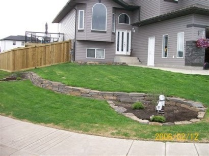 Brilliant Front Yard Corner Lot Landscaping Ideas 03