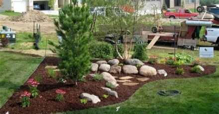 Brilliant Front Yard Corner Lot Landscaping Ideas 16