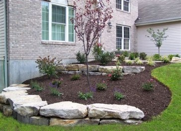 Lovely Retaining Wall Ideas For Sloped Front Yard 25