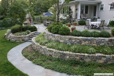 Totally Cute Sloped Backyard Landscaping Ideas 04