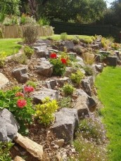 Totally Cute Sloped Backyard Landscaping Ideas 13