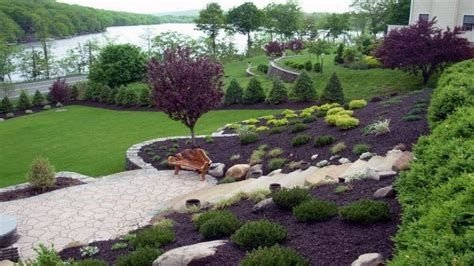 Totally Cute Sloped Backyard Landscaping Ideas 17