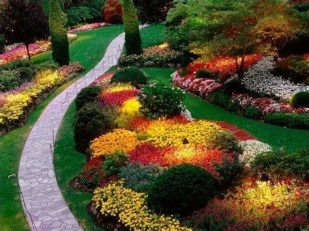 Totally Cute Sloped Backyard Landscaping Ideas 27