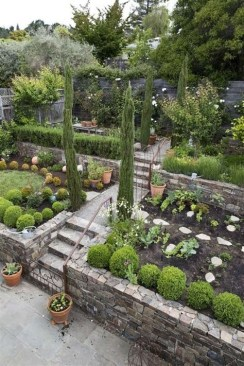 Totally Cute Sloped Backyard Landscaping Ideas 42