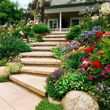 Totally Cute Sloped Backyard Landscaping Ideas 43