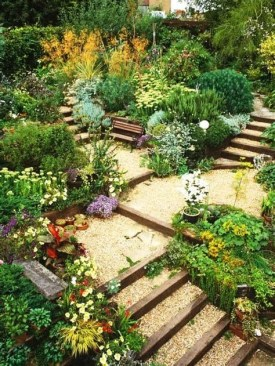 Totally Cute Sloped Backyard Landscaping Ideas 44