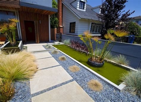 Totally Inspiring Front Yard Pathway Ideas 14
