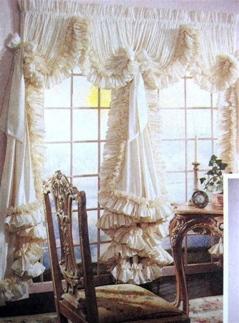 Best Ideas For Fancy Curtains For Bedroom 43