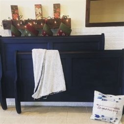 Cool Navy Painted Bedroom Furniture Ideas 10
