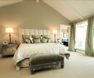 Creative Sage Green Accent Wall Bedroom Ideas 34