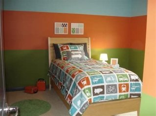 Lovely Two Tone Bedroom Paint Ideas 05