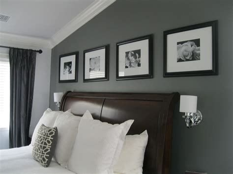 Lovely Two Tone Bedroom Paint Ideas 17