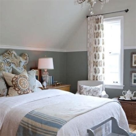 Lovely Two Tone Bedroom Paint Ideas 34