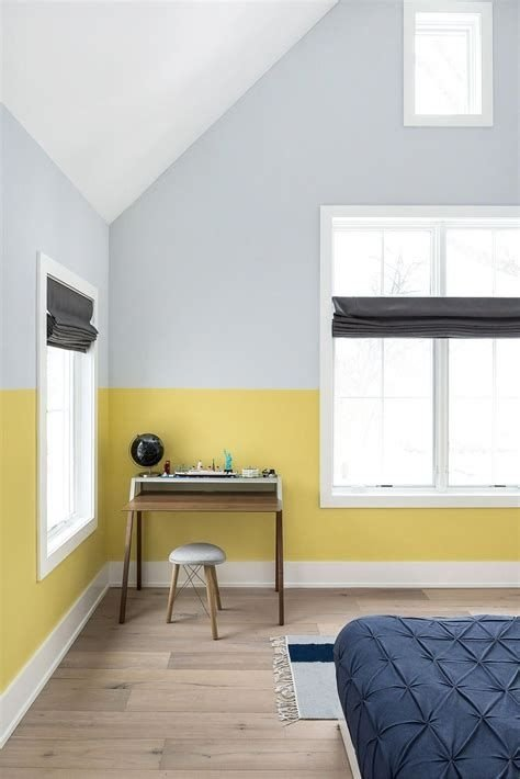 Lovely Two Tone Bedroom Paint Ideas 36