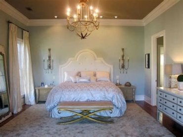 Totally Comfy White And Gold Themed Bedroom Ideas 15