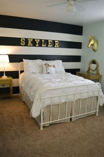 Totally Comfy White And Gold Themed Bedroom Ideas 38