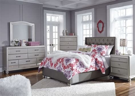 Totally Cute Charcoal Grey Bedroom Set Ideas 07