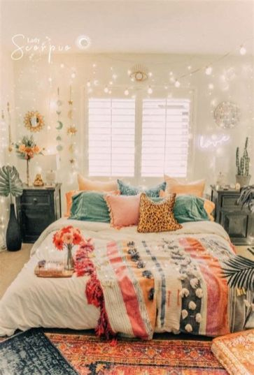 Adorable Aesthetic Room Ideas For Small Rooms 04