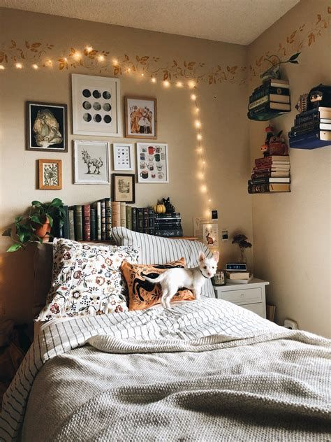 Adorable Aesthetic Room Ideas For Small Rooms 31