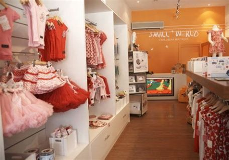 Beautiful Very Small Boutique Design 02