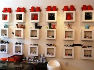 Beautiful Very Small Boutique Design 42