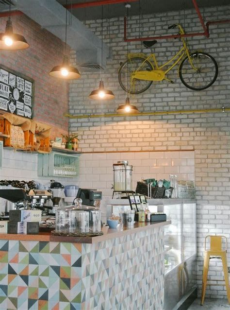 Lovely Low Budget Small Restaurant Design Ideas 41