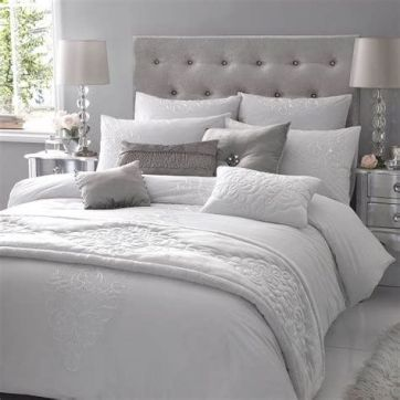 Awesome Grey And White Bedroom Ideas 20