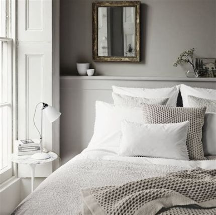 Awesome Grey And White Bedroom Ideas 39