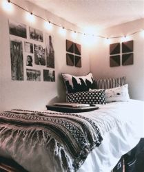 Totally Cute Black And White Room Aesthetic Ideas 04