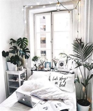 Totally Cute Black And White Room Aesthetic Ideas 37