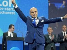 """Rareș Bogdan: """"Nu candidez la Primăria Cluj! """"Eu merg pas cu pas. Iau exemplul președintelui. Pas cu pas.   Să nu sărim etape. Sunt un om extrem de..."""" 7"""