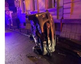 """(Foto) Accident Cluj. Altă mașină răsturnată! """"Am fost câțiva ce am ajutat la ieșirea celor 2 din mașina răsturnată..."""" 35"""