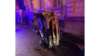 """(Foto) Accident Cluj. Altă mașină răsturnată! """"Am fost câțiva ce am ajutat la ieșirea celor 2 din mașina răsturnată..."""" 2"""