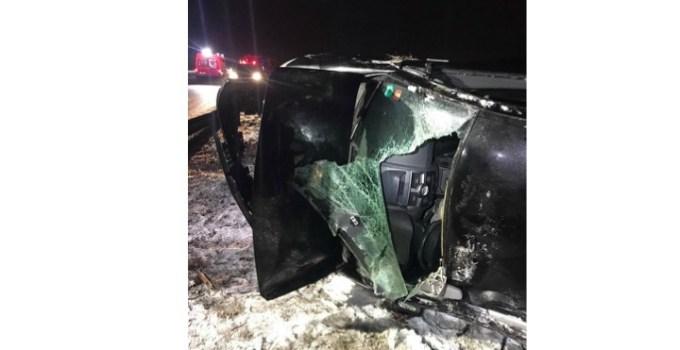Accident Cluj. Un TIR a agățat o mașină condusă de o șoferiță. Mașina s-a răsturnat, șoferul TIR-ului a fugit de la locul accidentului, pe centura Apahida-Valcele 13